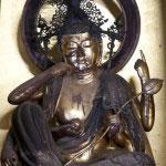 鎌倉三十三観音のひとつ、如意輪観音像。