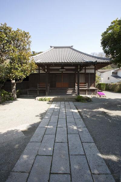 実相寺本堂と境内