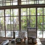 格子窓というのは絵のようです。