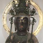 観音菩薩像。