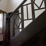 階段の欄干。