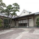 かいひん荘鎌倉の玄関。