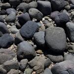 和賀江嶋に積まれた石。