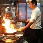 店長の谷川さん始めキャリアのある料理人が作るメニューはどれもいけます。