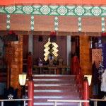 参拝できる本殿の内部。