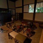 旧川喜多邸(別邸)内部。三和土の土間。
