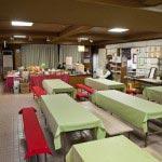 鎌倉宮境内の茶屋。ビールやお酒の他、おでん、稲庭うどんもあります。