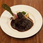 牛頬肉の赤ワイン煮、鎌倉野菜のオーブン焼き。メインは肉と魚が選べます。