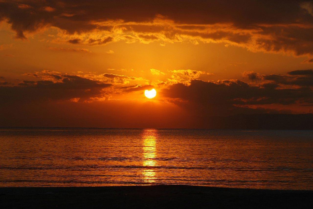 由比ガ浜の夕陽。