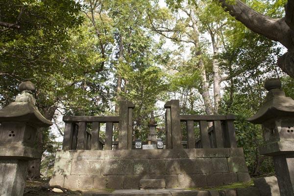 日野俊基の墓。