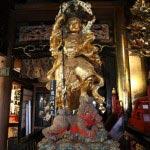 龍口寺本堂内の毘沙門天王。北方の守護神です。※本堂内の撮影は許可を得て行っています。
