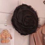 北鎌倉在住の帽子作家、相澤路子さんの帽子(黒・フェルト)、24,000円。