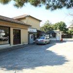 ワンちゃんのお店 Breezeはレンタサイクル、英国衣料のBRITISH CLOTHIERS、有料駐車場と同じ敷地内にあります。