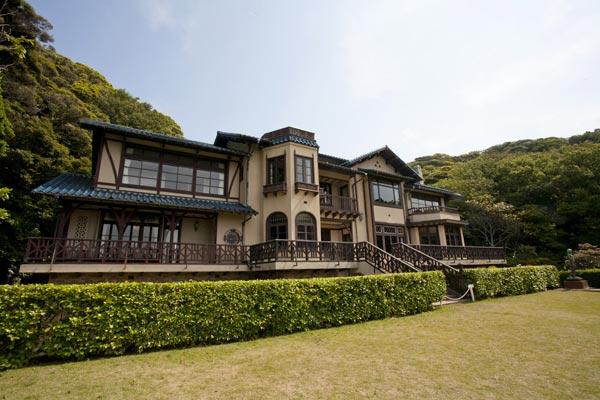 旧前田侯爵家別邸を利用した鎌倉文学館。建物、庭園そのものが見所です。