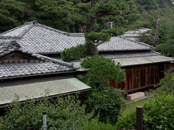 長谷の川端邸。甘縄神明神社の隣にあります。個人宅であり、一般公開はされていません。