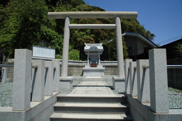 大寳寺境内にある多福明神社。新羅三郎義光が信仰しました。