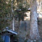 満願寺。観音堂と伝佐原義連廟所へと向かいます。