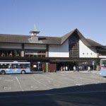 〈王道〉金沢街道をゆく。鎌倉駅の表(東口)を出ます。