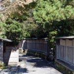 〈王道〉金沢街道をゆく。荏柄天神社を出たら鎌倉らしい静かな道を歩き、杉本寺へ。