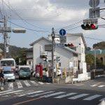 〈王道〉金沢街道をゆく。筋替橋を道なりに進むと岐れ路交差点が見えてきますから、ここを左に入ります。