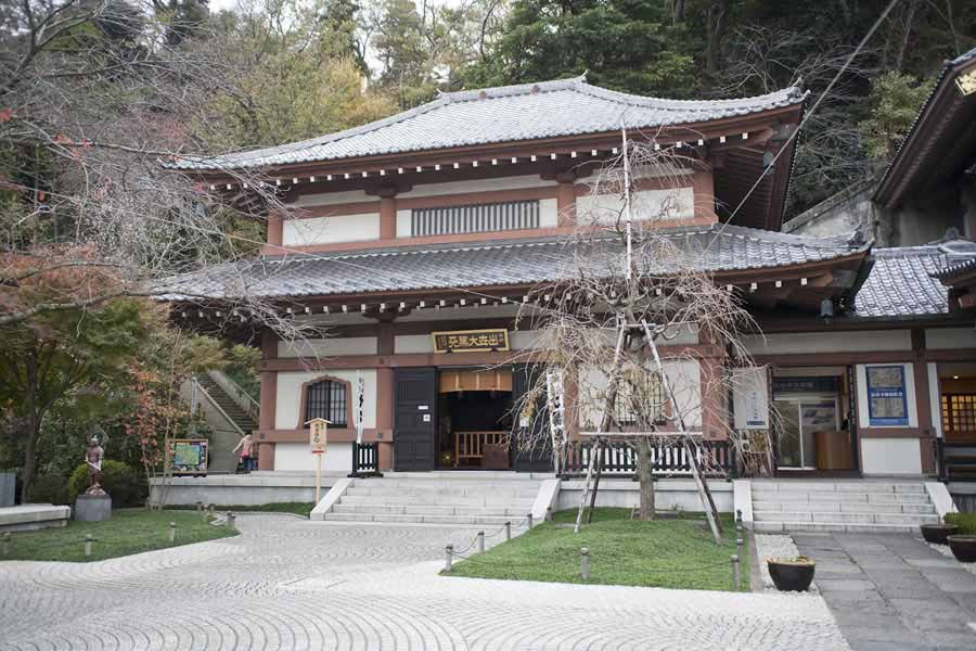 鎌倉の七福神めぐり。長谷寺の大黒堂は本堂の左手にあります。大黒天の御本尊は本堂奥の宝物館に安置されています。