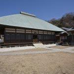〈王道〉金沢街道をゆく。昔は茅葺きだった浄妙寺本堂。茅葺きも見事でしたが、銅葺きもなかなかです。