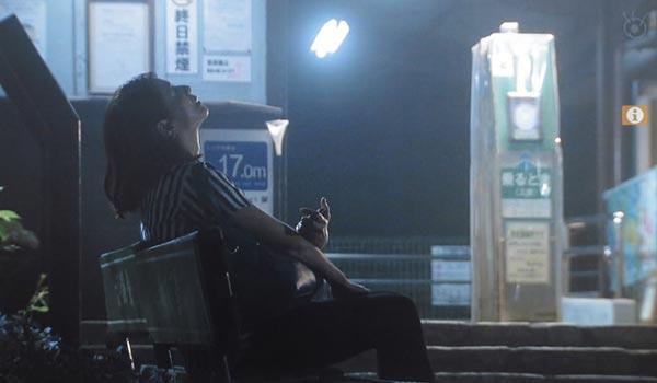小泉今日子(吉野千明)が中井貴一(長倉和平)に電話する駅。極楽寺駅。