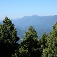 土佐の難所、朽木峠からみる梼原の山々。あれを越えて伊予長浜へとむかいます。
