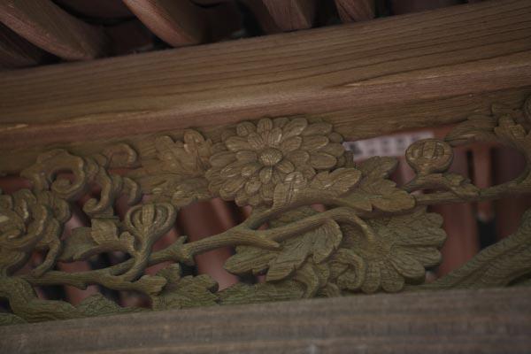 英勝寺、平唐門の透かし彫。