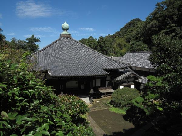 神武寺、客殿宝珠殿。阿弥陀三尊が安置されています。立入禁止区域。