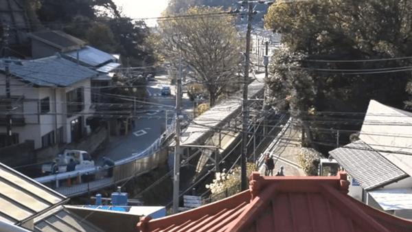 <3>江ノ電極楽寺駅遠景