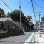 三浦為清屋敷跡地の前をそのまま下ると三浦十二天(十二所神社)です。