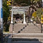 「権五郎力餅」の由来となった鎌倉権五郎景政を祀る御霊神社。