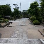 大長寺本堂から境内をみます。