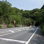 大船駅から県道402号を歩き、トンネルを抜け少しいけば右手に龍寳寺がみえてきます。