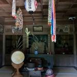 常楽寺仏殿の左にある文殊堂。