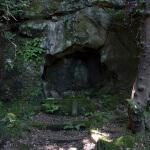 巡礼古道にある金剛窟地蔵尊。とても迫力があります。