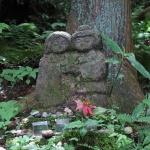 平成巡礼道にある石像。