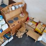 御成通りのComoriB*ComoreB+みんなのslow cafe。おむつ台や子供のおもちゃがあり、お子様連れでも安心。