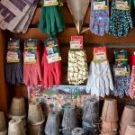 鎌倉ロコマート&ガーデン、園芸用の手袋。価格は400円〜850円程。