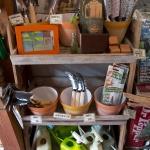 鎌倉ロコマート&ガーデン。季節の雑草対策用品。一番下のスプレーつきジョウロ(950円)が便利そう。