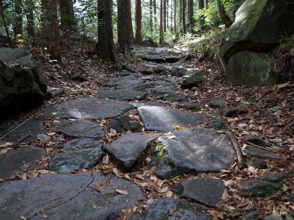 江戸時代の石畳。