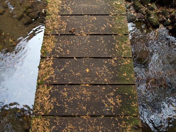 旧街道は小さな橋をいくつも渡りますが、この橋が一番印象に残っています。