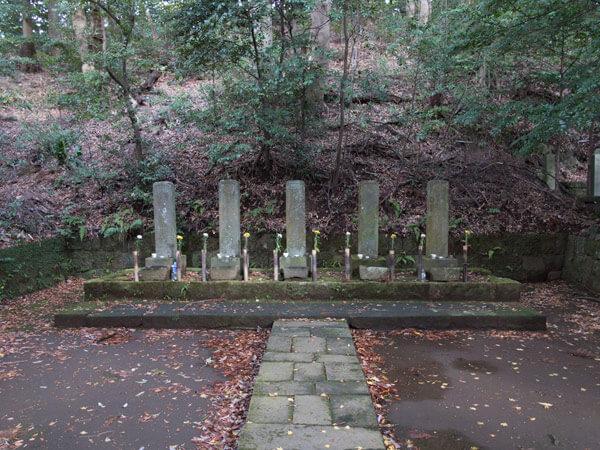 早雲寺、北条五代の墓。領民に慕われたという後北条の領主たちが眠ります。