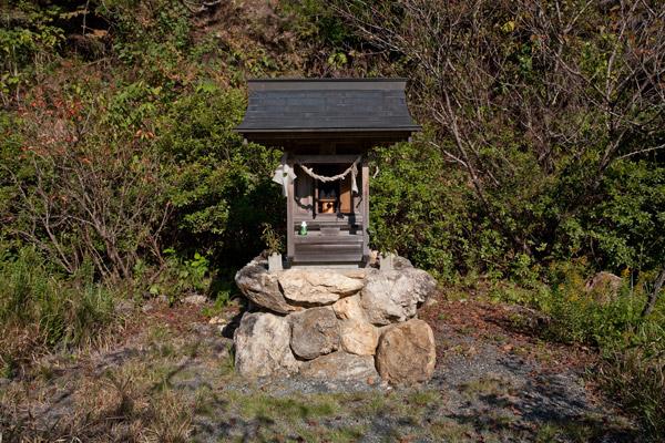 龍馬公園の小さな祠。