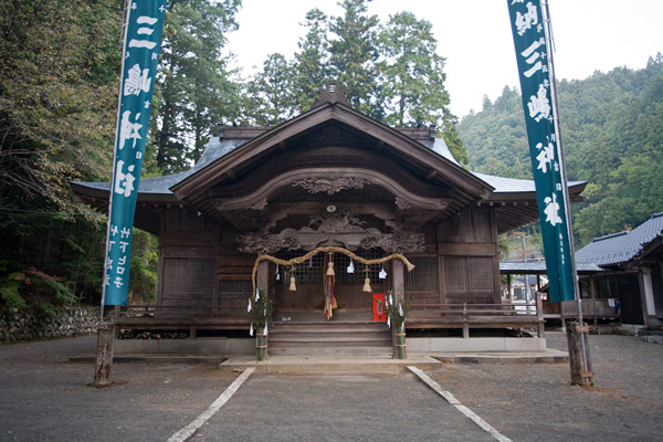 三嶋神社に参拝。
