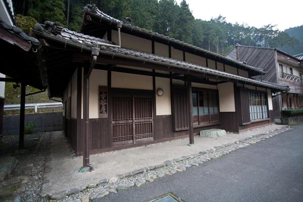 坂本龍馬の本家、才谷屋を再現した建物。