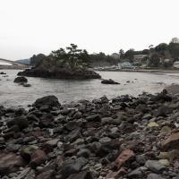 源頼朝が船出した真鶴町 岩海岸。