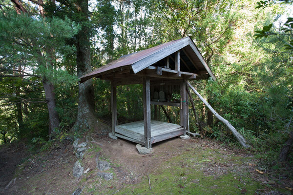 9時42分、小さな茶堂があります。旅人の一人としてありがたく思います。