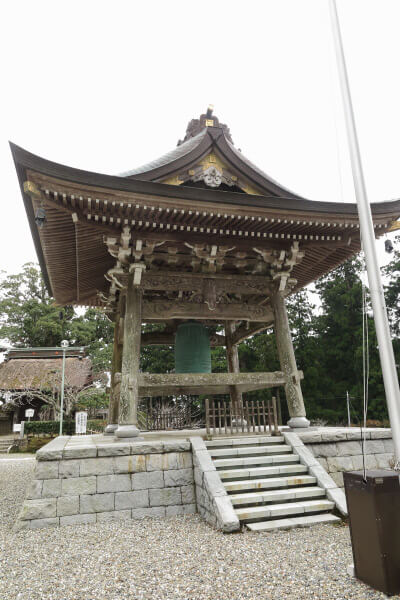 清澄寺、鐘楼と梵鐘。